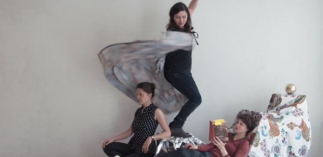 Saturday April 27, 18h // Popcorn Sappho // Performance by Sonja Cvitkovic, Birgit Megerle, and Michaela Meise